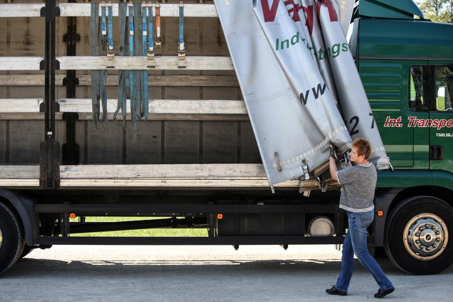 Die Frau im Truck - 60 Kilo auf 40 Tonnen - Technik / Für Alle die ...